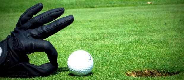 Vendes… ¿Así como juegas Golf?
